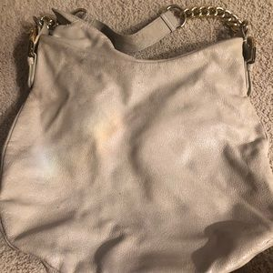 Badgley Mischka Bags - Cream leather shoulder bag with gold chain